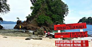 Keindahan Pantai Teluk hijau Banyuwangi rute dan tips