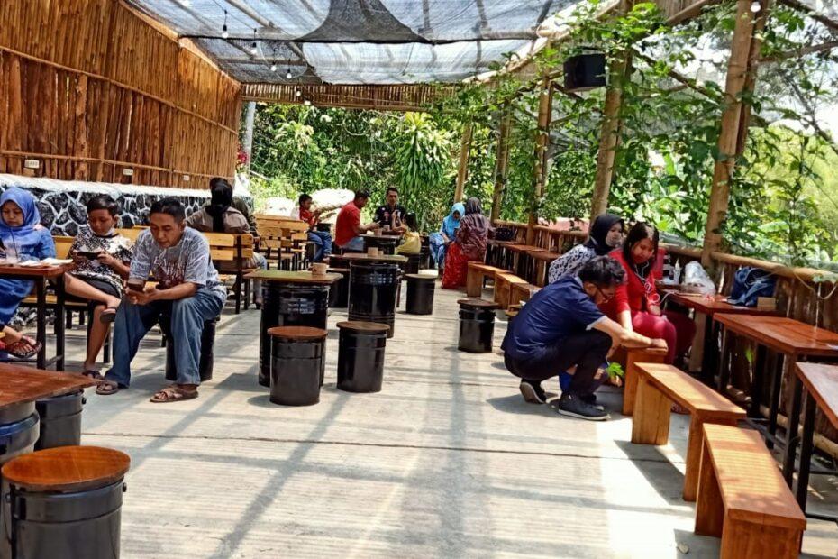 Café Hitz di Trawas